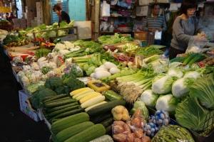 色んな野菜が並ぶ